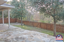 city-discount-realtor-fenced-yard