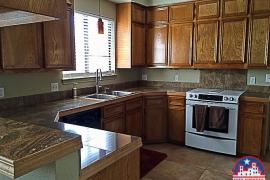 703-golden-oaks-rd-georgetown-tx-78628-kitchen_0