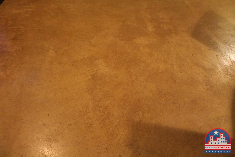 city-discount-realtor-78704-concrete-floors