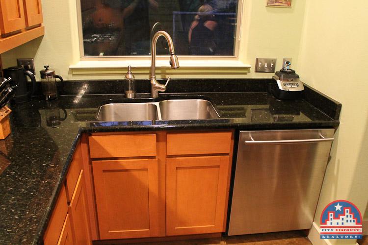 city-discount-realtor-78704-kitchen-sink