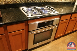 city-discount-realtor-78704-kitchen-gas-cooking
